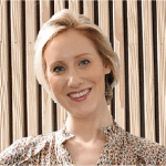 Julie Leenders